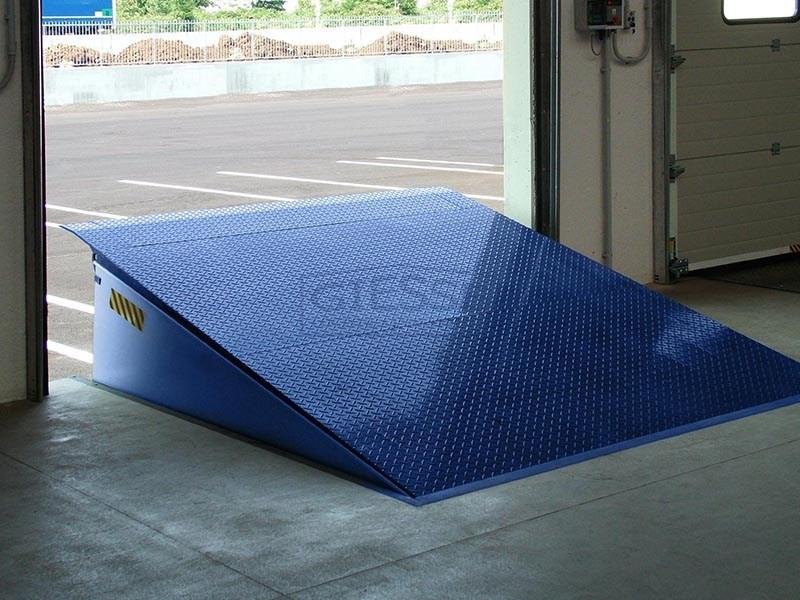 Vendita carrelli elevatori toyota for Rampe di carico per container